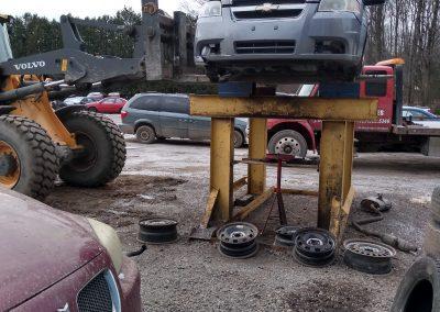 Garage mécanique voiture scrap à l'achigan - Pièces d'autos usagées J.G Rivest inc à Saint-Roch-de-L'Achigan et Lanaudière