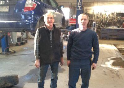 Propriétaires Yves et Serge - Pièces d'autos usagées J.G Rivest inc à Saint-Roch-de-L'Achigan et Lanaudière